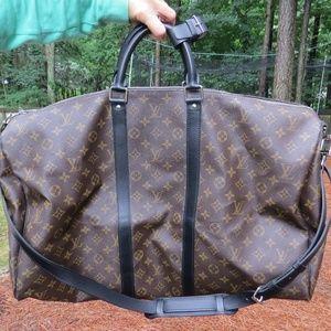 Louis Vuitton Keepall Bandouliere 55 Duffle Bag